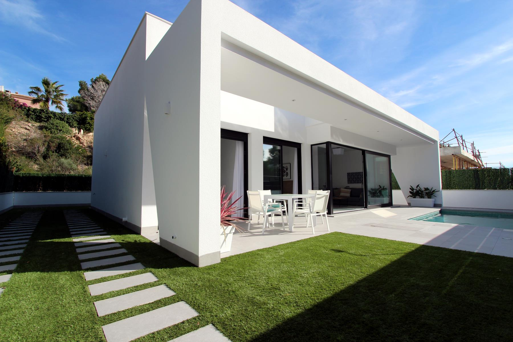 Pinar de Campoverde luxury new-build villas